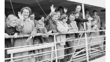 Migrant: mobilities and connection
